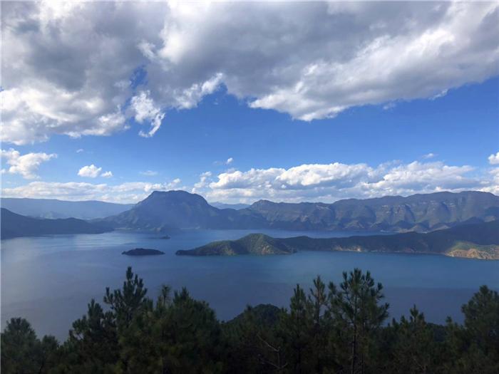 <丽江-香格里拉-普达措森林公园-虎跳峡2日游>